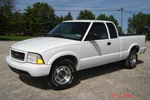 Southern Truck installed Texas rust free GM extended cab and short box to make this Chevy S10 look better than new!