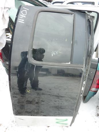 2004 2005 2006 2007 2008 Ford F150 passenger side rear complete extended cab door.  Good condition, some scratches & scuffs in paint.  Inventory #11401.