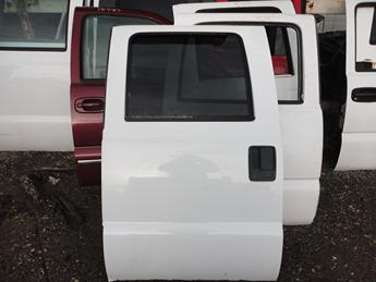2008 2009 2010 2011 2012 2013 2014 2015 2016 FORD SUPER DUTY LEFT REAR CREW CAB DOOR. GREAT CONDITION- SCUFFS AND SCRATCHES. #13734