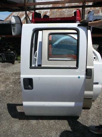 2008 2009 2010 2011 2012 2013 2014 2015 2016 FORD SUPER DUTY RIGHT REAR CREW CAB DOOR. POWER WINDOW, GOOD CONDITION, COUPLE SMALL DINGS, MISSING INTERIOR, RUST FREE. #13952