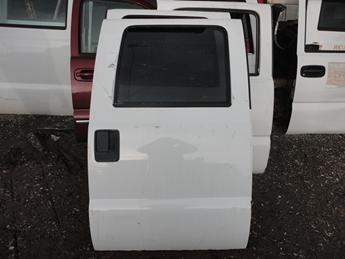 2008 2009 2010 2011 2012 2013 2014 2015 2016 FORD SUPER DUTY RIGHT REAR CREW CAB DOOR. GOOD CONDITION- PAINT SCUFFS AND TWO SMALL DINGS BY THE LEFT EDGE. #13733