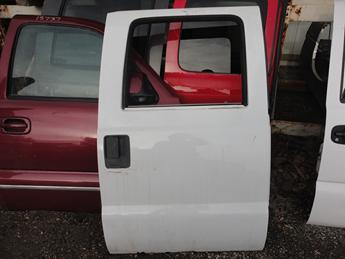 2008 2009 2010 2011 2012 2013 2014 2015 2016 FORD SUPER DUTY RIGHT REAR CREW CAB DOOR. GOOD CONDITION- SOME SCUFFS AND SCRATCHES. #13736