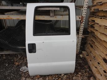 2008 2009 2010 2011 2012 2013 2014 2015 2016 FORD SUPER DUTY RIGHT REAR CREW CAB DOOR, MAUAL WINDOW. GOOD CONDITION- SOME SMALL DINGS AND SCUFFS AND SCRATCHES. #13753