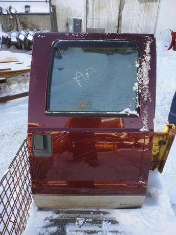 08-15 FORD SUPER DUTY RIGHT REAR CREW CAB DOOR. GOOD CONDITION, ONE DENT, POWER WINDOW. #13289