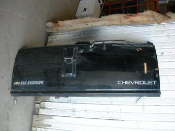 Chevy Blazer Rear Gate on 2000 Chevy Blazer Interior