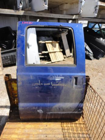 1999 2000 2001 2002 2003 2004 2005 2006 2007 FORD SUPER DUTY CREW CAB DOOR. GOOD CONDITION- SCUFFS AND SCRATCHES, SMALL DINGS ON REAR WINDOW PILLAR. #13481