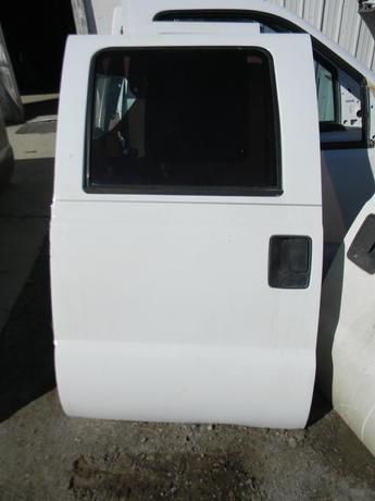 1999 2000 2001 2002 2003 2004 2005 2006 2007 FORD SUPER DUTY DRIVERS REAR CREW CAB DOOR. MANUAL WINDOW. GREAT CONDITION. RUST FREE #14308