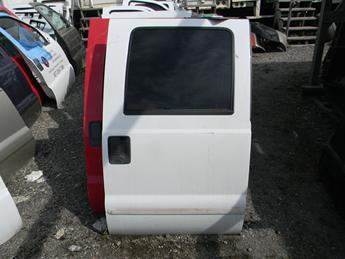 1999 2000 2001 2002 2003 2004 2005 2006 2007 FORD SUPER DUTY PASSENGER REAR CREW CAB DOOR. POWER WINDOW, RUST FREE. GREAT CONDITION, A COUPLE SCUFFS. #14017