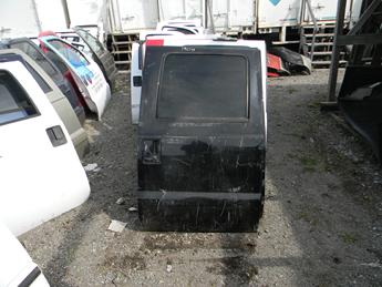 1999 2000 2001 2002 2003 2004 2005 2006 2007 FORD SUPER DUTY PASSENGER REAR CREW CAB DOOR. GOOD CONDITION- MULTIPLE SCATTERED SCRATCHES. RUST FREE FROM TEXAS, POWER WINDOW. #14019