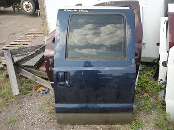1999 2000 2001 2002 2003 2004 2005 2006 2007 FORD SUPER DUTY CREW CAB REAR PASSENGER DOOR. POWER WINDOW, GREAT CONDITION- ONE SMALL DING ALONG WITH SCUFFS AND SCRATCHES. #13526