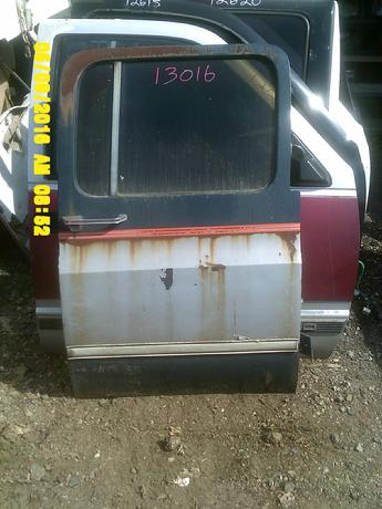 Suburban Door additionally  also Tb E El Sx Ql in addition  besides S L. on 2006 chevy suburban parts