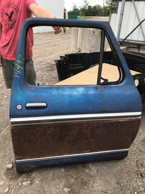 1973 1974 1975 1976 1977 1978 1979 FORD PASSENGER FRONT DOOR. GOOD CONDITION- A COUPLE SMALL DINGS ON LOWER. LITTLE BIT OF SURFACE RUST ON BOTTOM SEAM. #14497